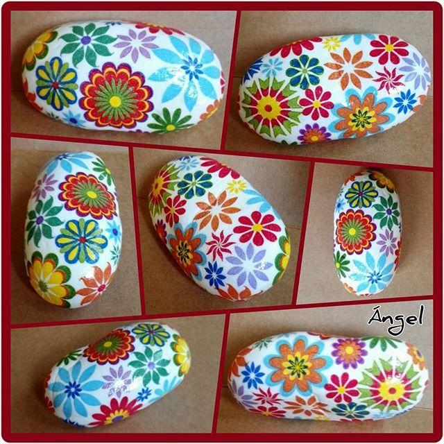 Piedra/decoupage servilleta  Colored stones for grey days  #manualidades #hechoamano #piedra #craft #hand_made #colourful #napkin #art #creative #design #floraldesign #home_decor #exclusivedesign #stoneartwork #stonelover #decoupaged #designed #creativeideas #artofstone #decoupagelover #geometricdesign #artdesign #beautifulstones #rockart #stonedecor #artesanato #fattoamano #disegno #stonecraft #artsncrafts