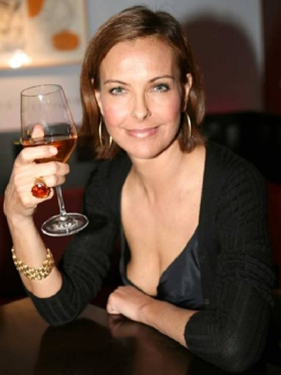Always loved her. Carole Bouquet, French. She is beautiful and very funny. Is it compatible? yes, it seems that it is. She has vineyards and has a life after being an actress.