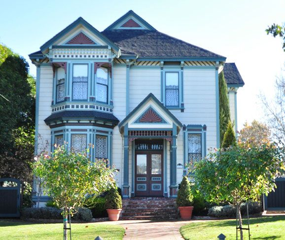 91 best images about farm house exterior on pinterest for Victorian exterior color schemes