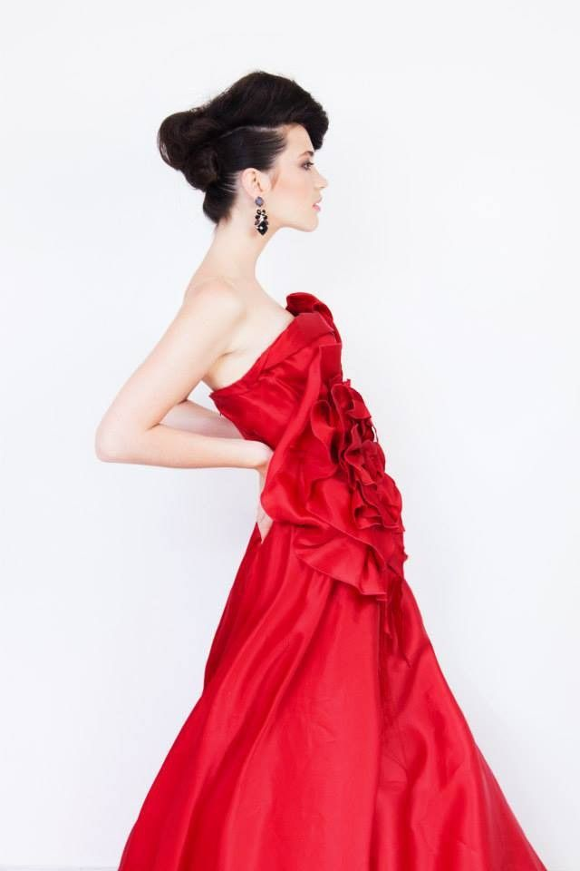 Rouge Couture by Maddalena Triggiani on @sbaam http://sba.am/siqsn0jomdg