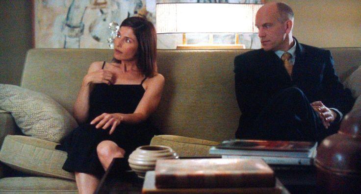 """""""Mi dica, qual è lo strano potere che John Malkovich emana? Lei deve aiutarmi a capire perché, l'unico mio desiderio, è quello di essere Malkovich."""" <3  (Dal film """"Essere John Malkovich"""", regia di Spike Jonze, 1999) -"""