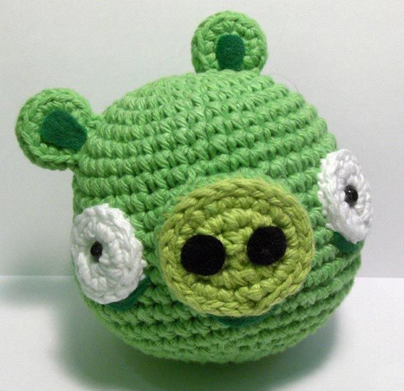 Angry Birds Green Pig amigurumi crochet pattern... I have GOT to figure out how to make this.. :)