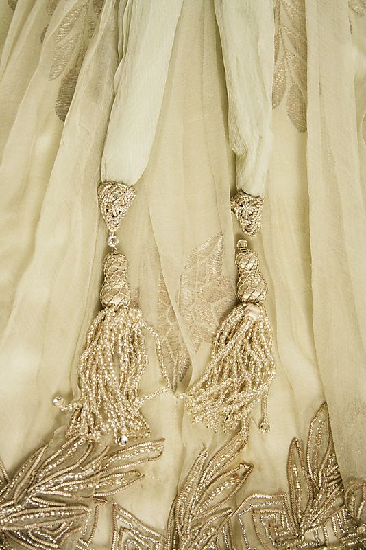 Haute Couture Charles Frederick Worth evening dress gown circa from 1908. Made from silk, trim, beaded metallic flower floral pattern embroidery embroidered with glass beads, stones, and sequins pailette. #Haute #Couture #Fashion House of Worth