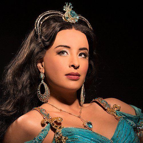 Princess Jasmine's Beauty Routine — and What It's Like to Kiss Aladdin