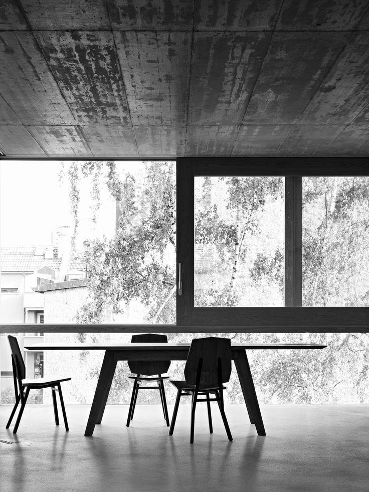 DELAPAN CHAIR & EMPAT TABLE