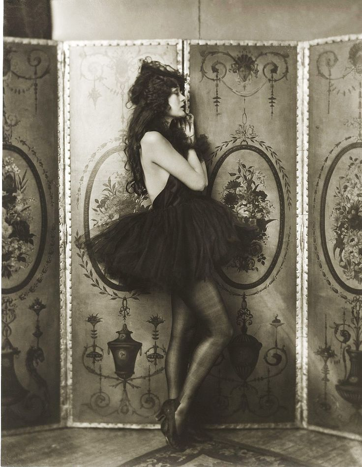 Ziegfeld girl (1923). Alfred Cheney Johnston.