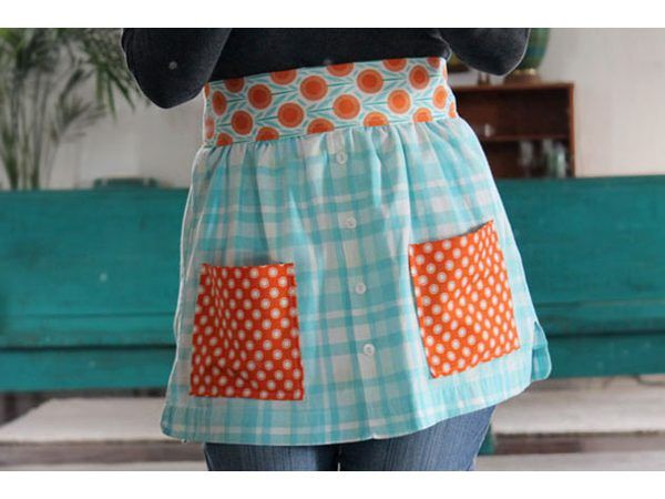 Tie the finished apron around your waist.