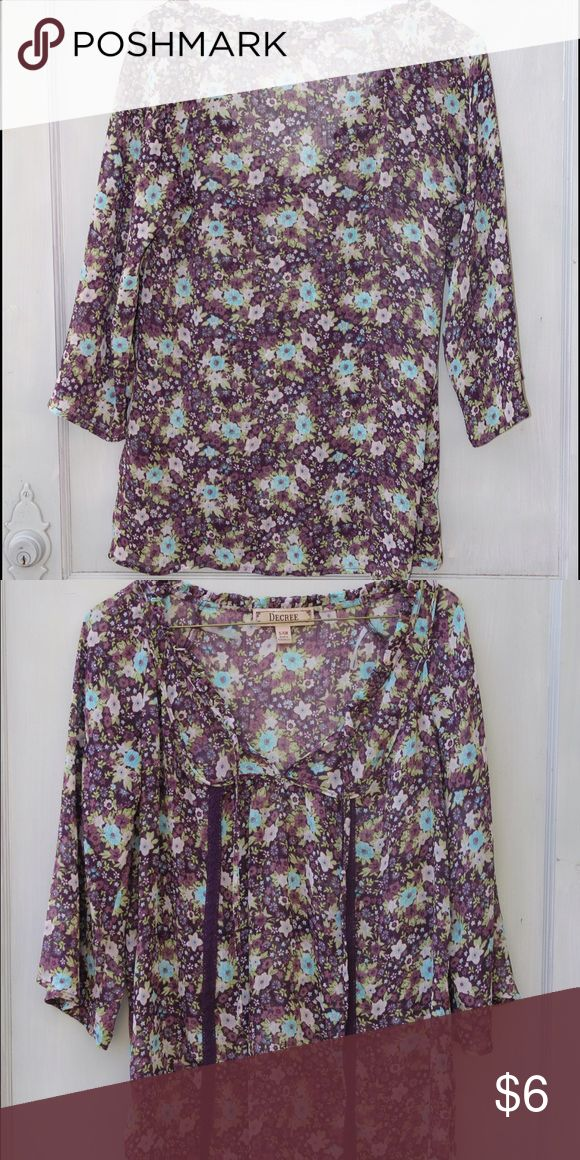 Purple floral Boho top from buckle This cute boho top was bought from the Buckle store but the brand is Decree. It's in perfect condition. Decree Tops Blouses