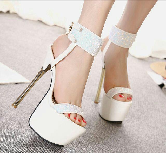 $20 - White Elegant Shimmers! #peeptoes #highheels #onlineshop #oli_oddie