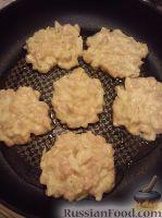 Фото приготовления рецепта: Куриные котлеты по-французски - шаг №7