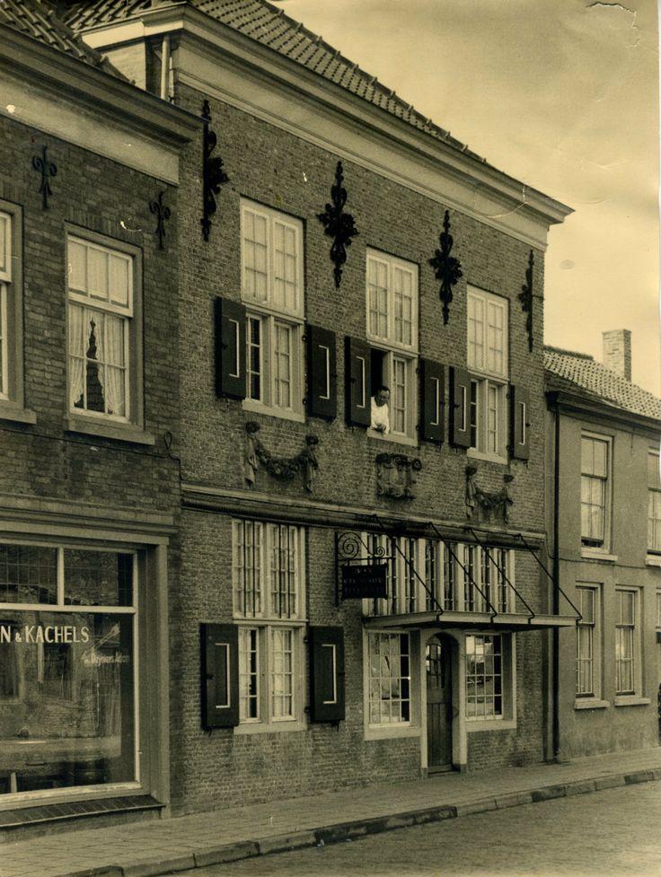 Restauratie bakkerij in Aardenburg (Z.Vl) 1957