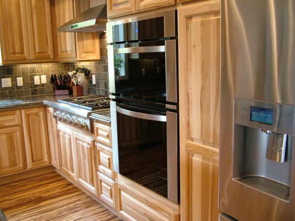 Hickory Cabinets Kitchen Photos   These Hickkory Kitchen Cabinets Blend In  Nicely With The Hickory Wood