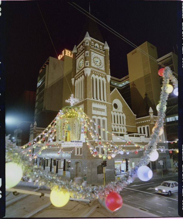 323416PD: Christmas decorations, intersection of Hay and Barrack Streets, Perth, 20 November 1984 https://encore.slwa.wa.gov.au/iii/encore/record/C__Rb3165620