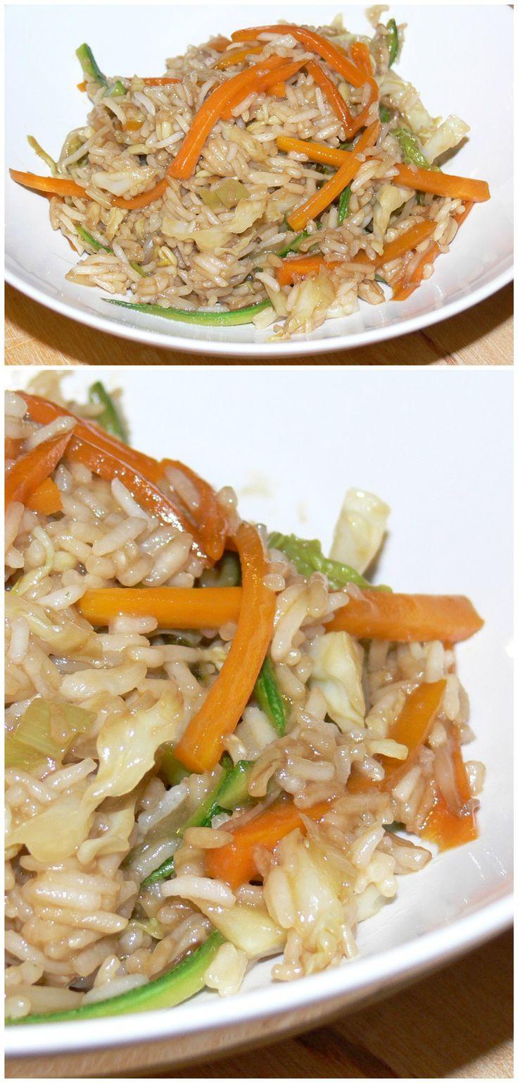 Riso cinese con verdure e salsa di soia