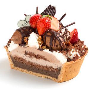 Mini Chocolate Tart: Thick cream ganache + tart of chocolate + strawberries on top + crunchy caramel nut