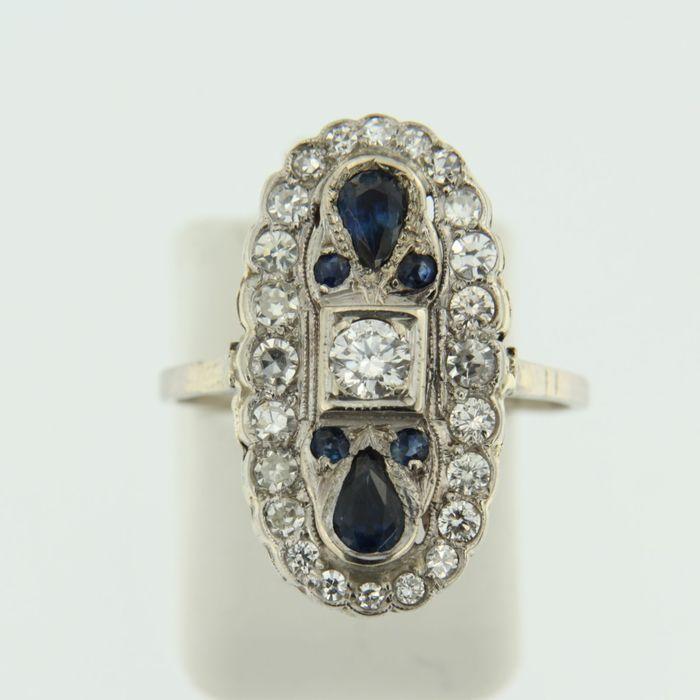 Online veilinghuis Catawiki: art deco platina ring bezet met saffier en diamant
