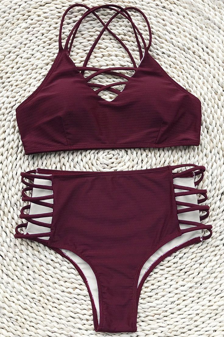 Cupshe  Dolce Vita Solid Bikini Set