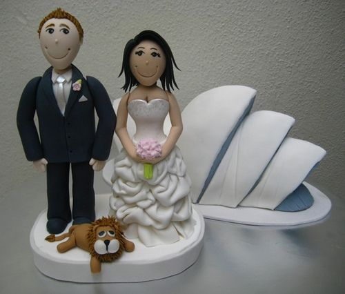 Cake Toppers by flickr user 'Artisan Cakes by e. t.'