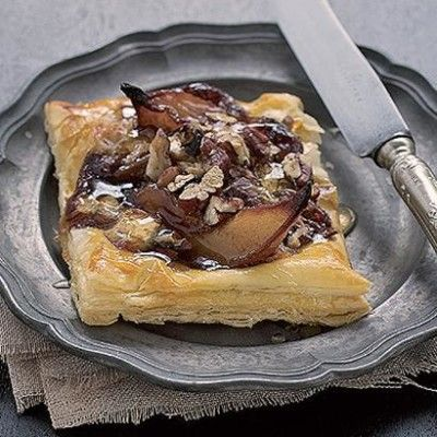 Taste Mag | Roasted balsamic pear, pecan nut and brie tart @ https://taste.co.za/recipes/roasted-balsamic-pear-pecan-nut-and-brie-tart/