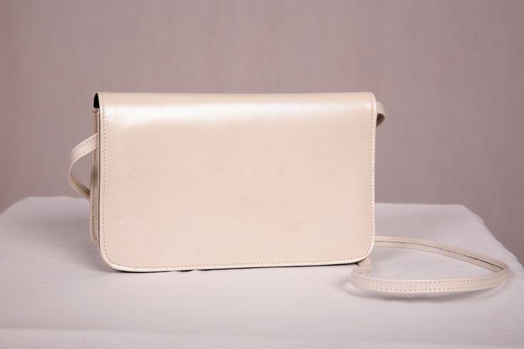 Pearl #leatherhandbag #bridalaccessory #aussiemade