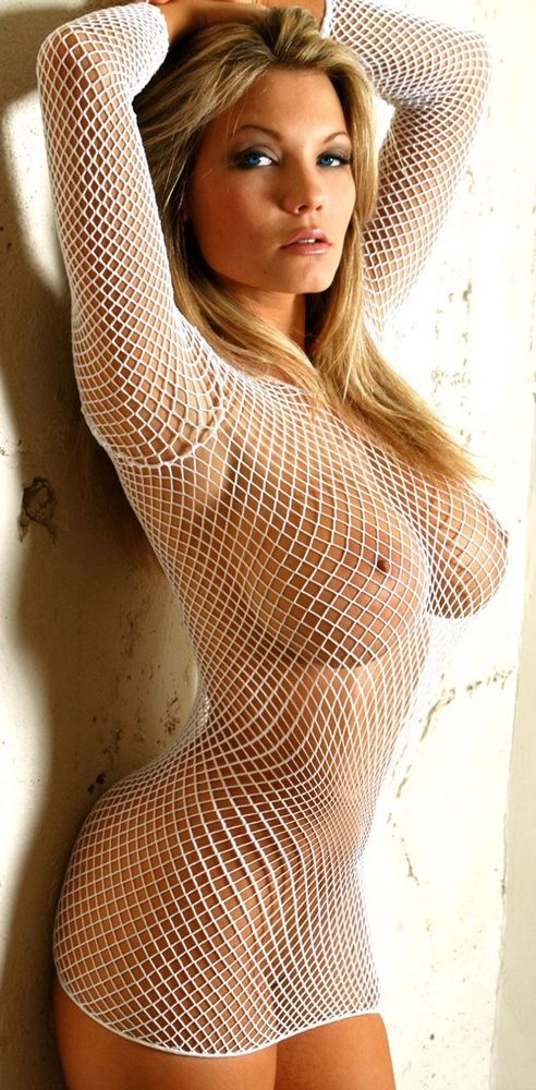 Mature fishnets exhibitionist