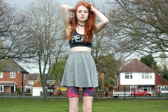 Wait until light, my dear. (by Olivia Harrison) http://lookbook.nu/look/3348827-Wait-until-light-my-dear: Pretty Red, Red Hair, Olivia Harrison, Thy Clothes, Light, 90S Grunge