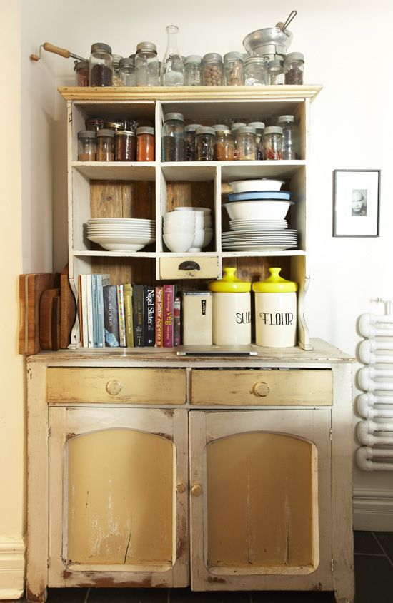 store it: Farms Houses, Rustic Cabinets, Kitchens Style, Houses Books, Paintings Cabinets, Old School, Kitchens Corner, Great Kitchens, Kitchens Cabinets