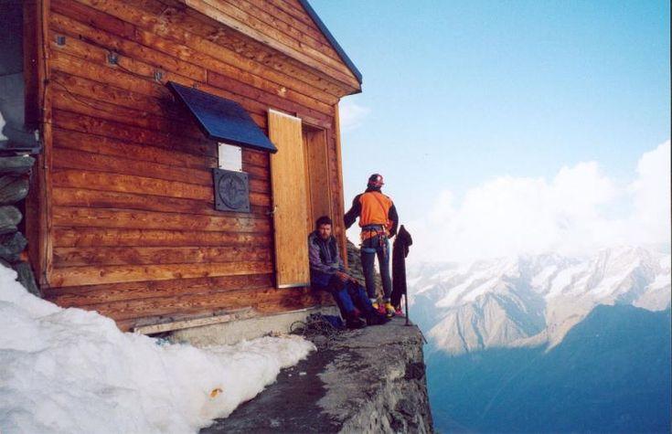 Solvay Hut, Swiss.4003 Метра, Solvay Huts, Небольшое, Клубу Расположена, Высоте 4003, Восточном Гребне, Гребне Маттерхорна, Альпийскому Клубу, Метра Это