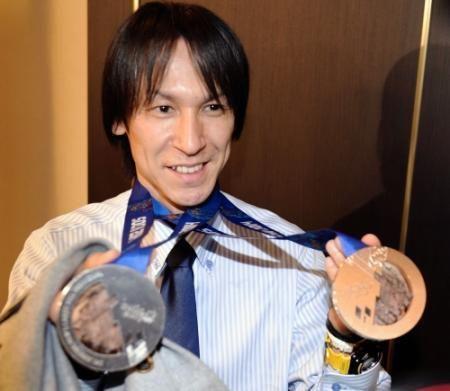 ソチオリンピック Yahoo! JAPAN - ジャンプ葛西のメダル「触らせて」でもれなくタッチOK宣言(デイリースポーツ)
