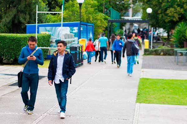 3 mil 99 nuevos estudiantes en la #BUAP