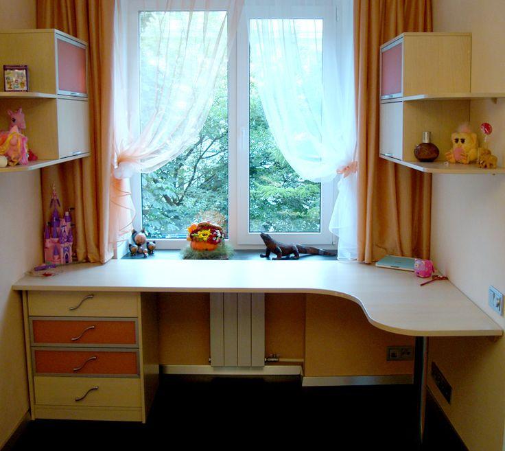 Картинки по запросу детская комната стол у окна