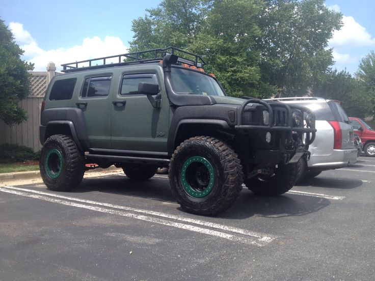 Hummer H3 with a snorkel