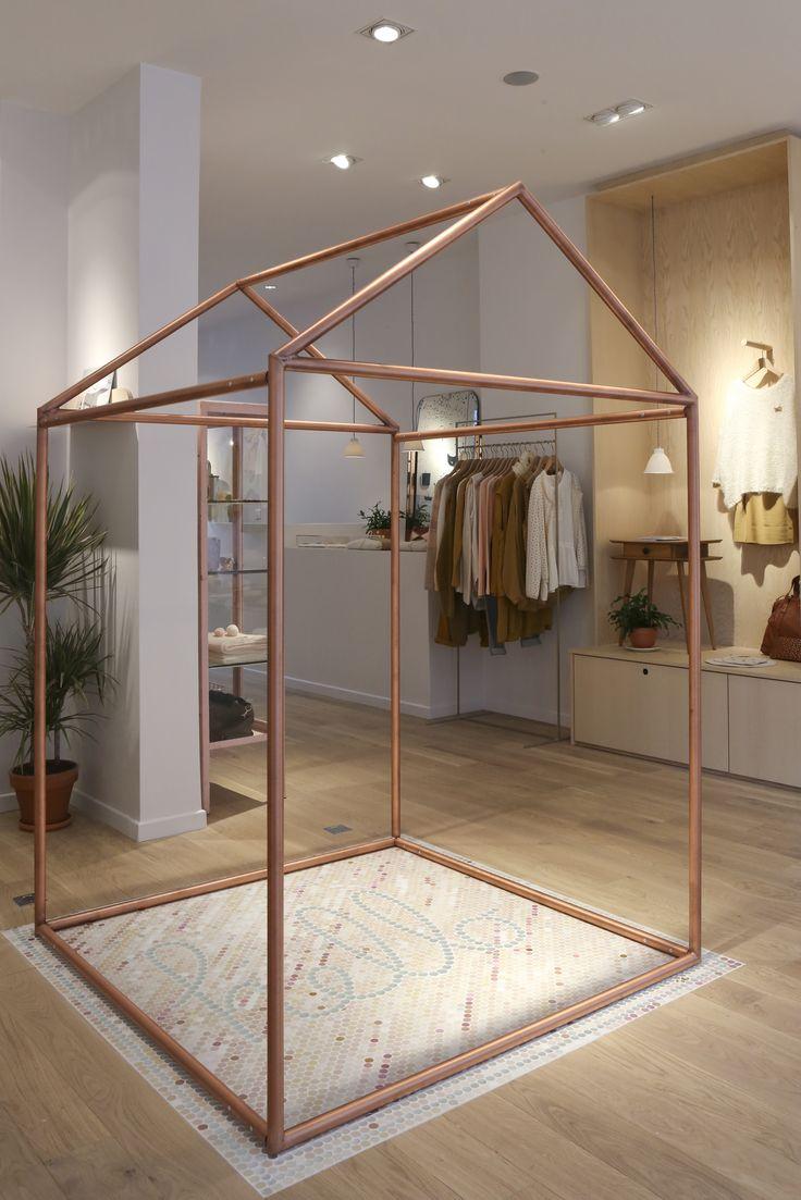 mosa que de sol ne l glise prot g e par notre maison en cuivre boutique des petits hauts rue. Black Bedroom Furniture Sets. Home Design Ideas