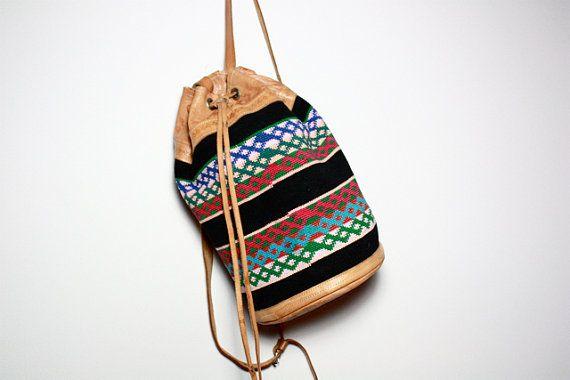 VTG Southwestern Tapestry and Leather Backpack par jamesrowlandshop, $65,00