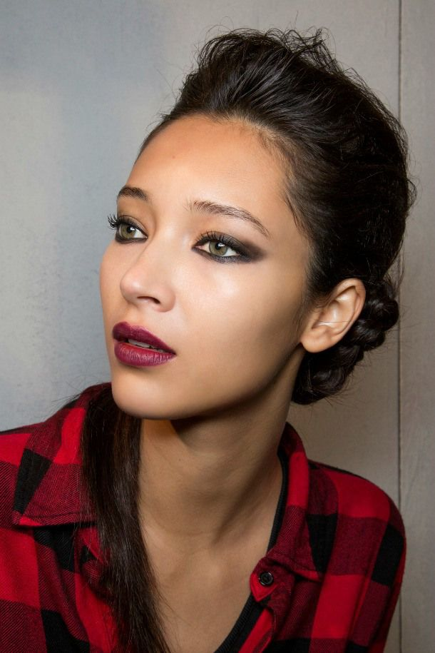 A Complete Guide to How to Wear Berry Makeup | Daily Makeover