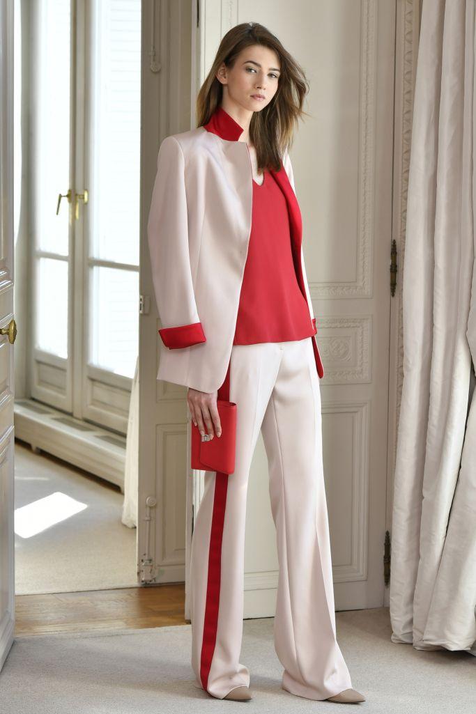 fa3eec528c7 Модные женские пиджаки 2018  10 модных тенденций года