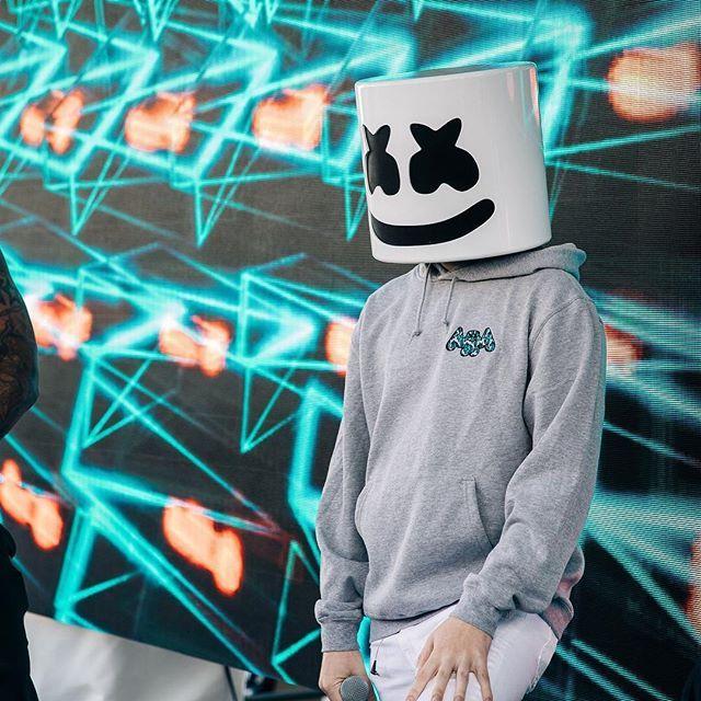 Marshmello Marshmellomusic Foto I Video V Instagram Adidas Logo Wallpapers Joker Iphone Wallpaper Cute Boys Images
