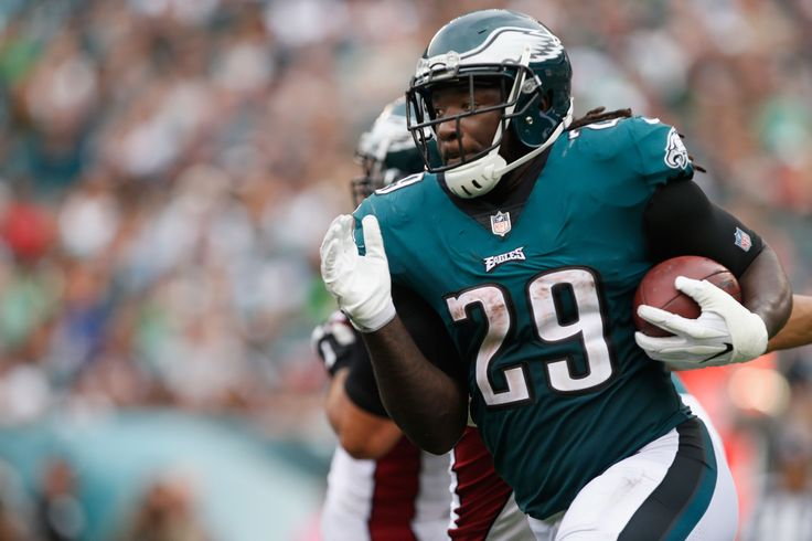 LeGarrette Blount reminds the Eagles to remain humble.