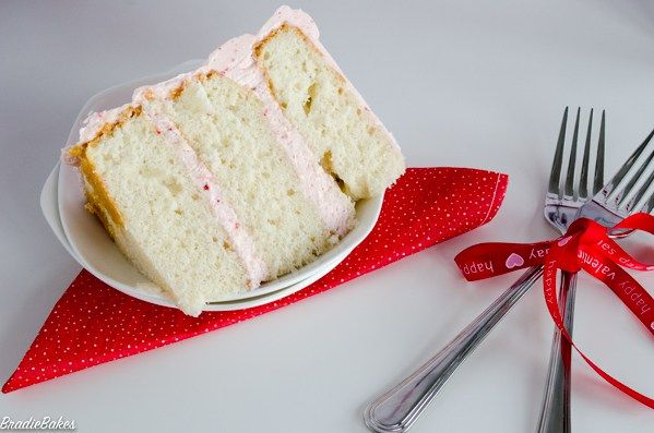 Recipe: Strawberry Buttercream - BradieBakes