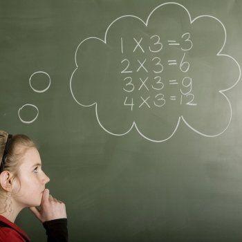 Enseña a tu hijo este truco ara aprender a multiplicar por ocho. Truco de la tabla de multiplicar de 8 para niños. Cómo multiplicar por ocho de forma sencilla.