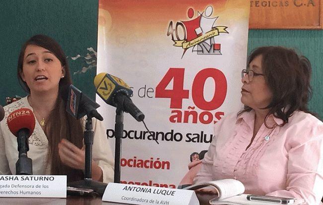 """4 mil venezolanos sufren de hemofilia y no tienen medicamentos /  Caracas.- Antonia Luque, coordinadora de la Asociación Venezolana para la Hemofilia (AVH), denunció que el Estado """"no les ha dado respuesta de los medicamentos"""" que se requieren para los que padecen esta enfermedad y otras afectaciones hemorrágicas. Notificó que hay en el país """"más de 4 mil venezolanos con hemofilia"""", además"""