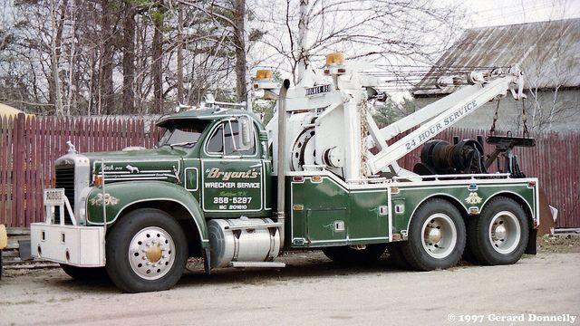 Vintage White Wrecker Flickr The Antique Wreckers Pool Mack Trucks Trucks Tow Truck