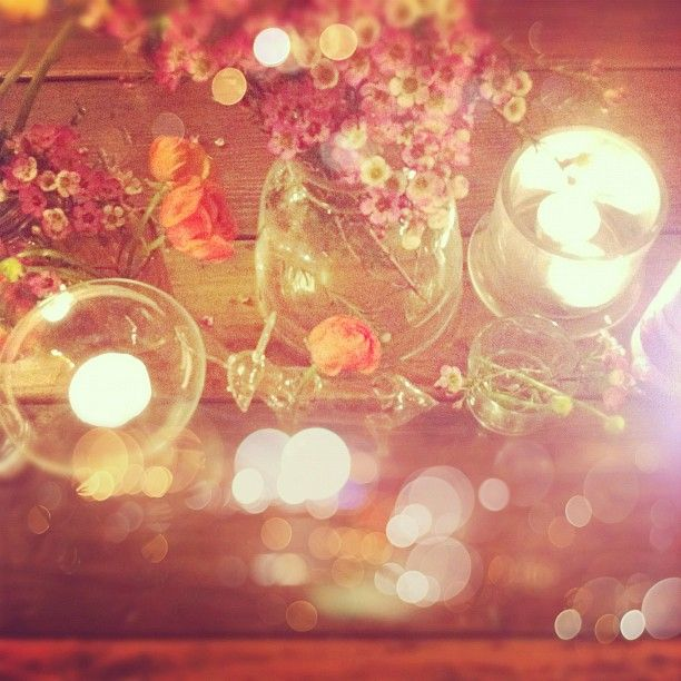 dinner party: Centerpieces Ideas, Beautiful Sake, Dramas, Candles, Parties Items, Fresh Flowers, Dinners Parties, Parties Flowers, Wax Flowers