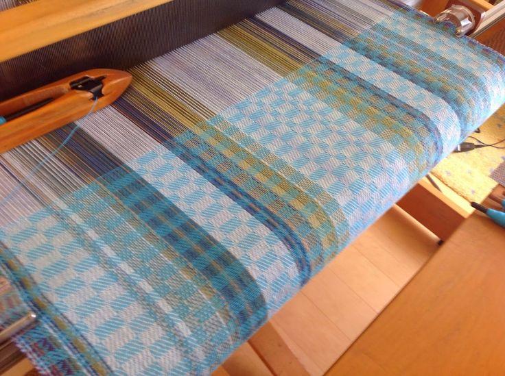 MMs & OOs Handweaving: Colors and Designs