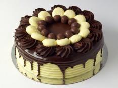 """12"""" Malteser Cake"""