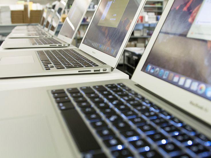Wir bereiten im Moment jede Menge #MacBookAirs für eine Primarschule im Kanton Solothurn vor inkl. MDM-Server in der Cloud! #Informatik #Apple #Technik #Digital #Niederbipp #HeinigerNews