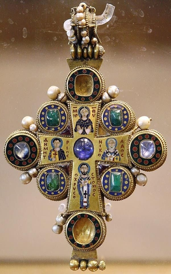 Byzantine pectoral cross with pearls and precious stones surrounding the Virgin Mary and Saints