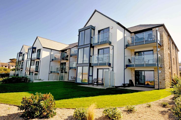 That's Us! Overlooking the stunning Carbis Bay beach in St Ives, Hawke's Point at The Sands is a family owned retreat offering a perfect choice of luxury holiday apartments and penthouses, most with superb sea views.