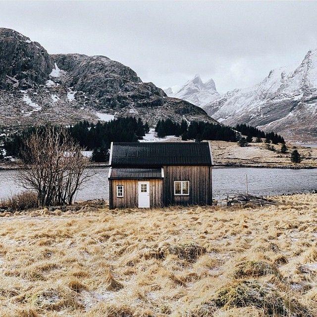 upknorth:  I make myself rich by making my wants few. - Thoreau #getoutdoors #upknorth - Cabin home in the Lofoten Islands, Norway by @dudelum  (at Lofoten Islands, Norway )