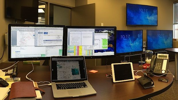 45 best images about desks on pinterest editor electrical engineering and mac mini. Black Bedroom Furniture Sets. Home Design Ideas